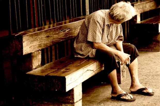 Waiting at hua lamphong